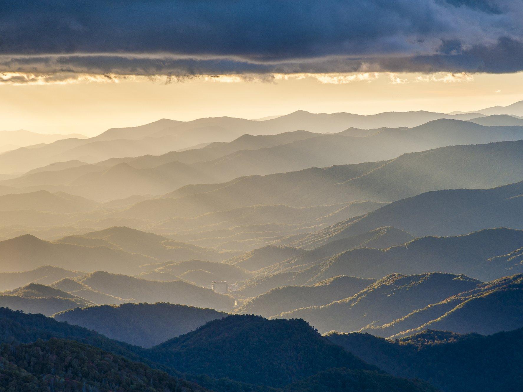 Rays and Ridges from Waterrock Knob   Photo © Robert Stevens